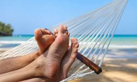 Six Reasons to Choose a Nudist Vacation