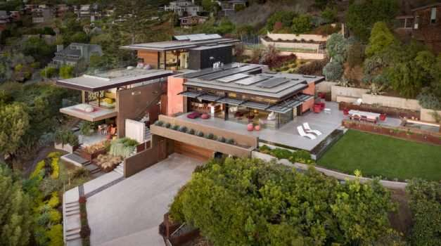 Home of the Day: Exceptional Modern Art Mansion Offered at $14 Million