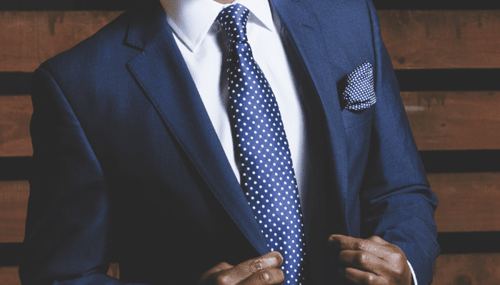 matching pocket square and tie