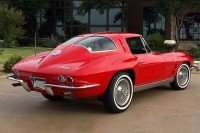 SPLIT-WINDOW STING RAY: The 1963 Corvette was a Legend in the Making