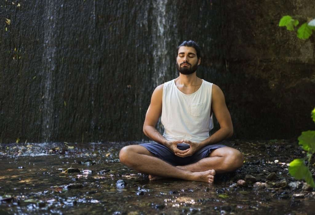 Man-Meditation helps to communicate with confidence